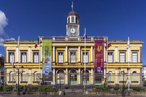 2017 laréunion europa mascareneislands islands réunion france daylight day saintdenis rathaus colors flag window mairie clock colonial fence building