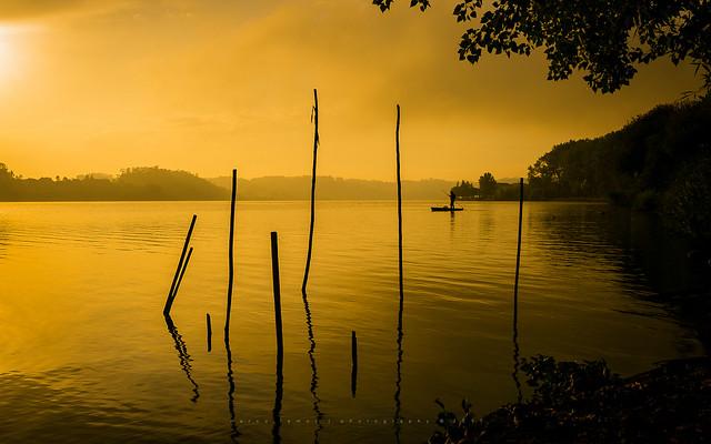 The boatman of dawn