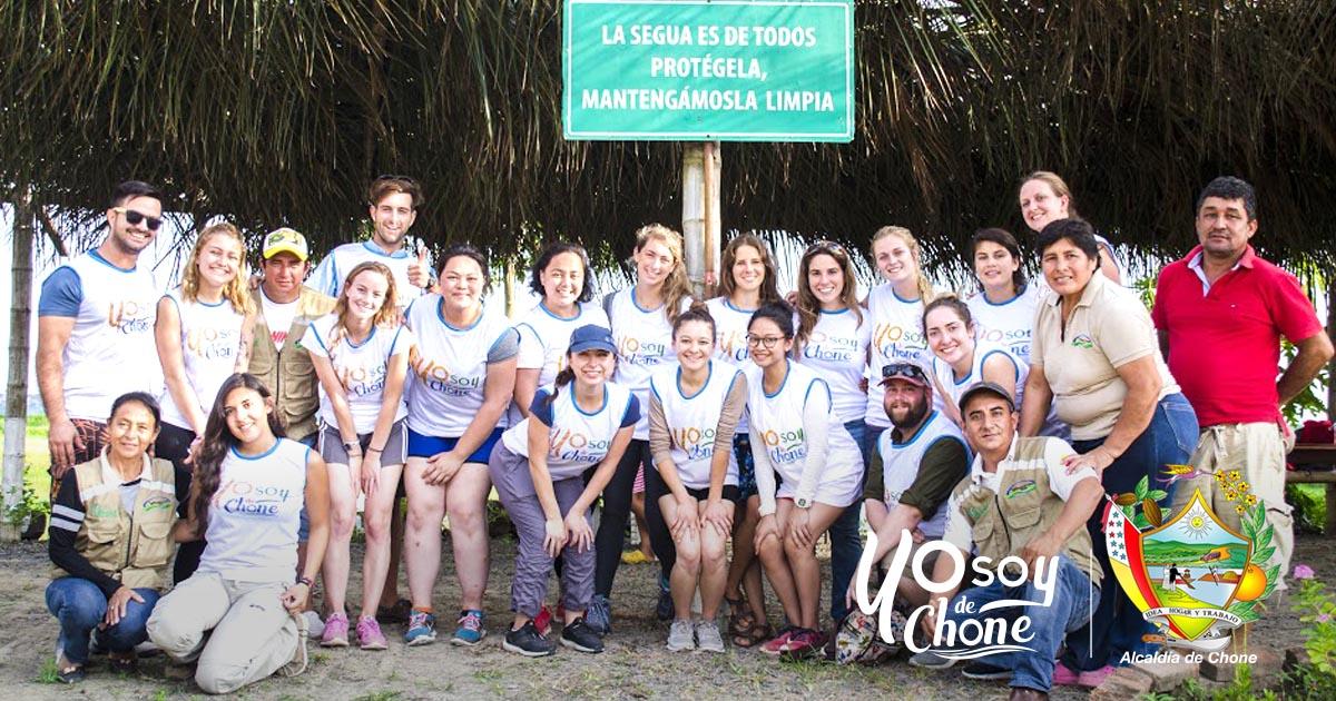 Voluntarios extranjeros recorrieron humedal La Segua