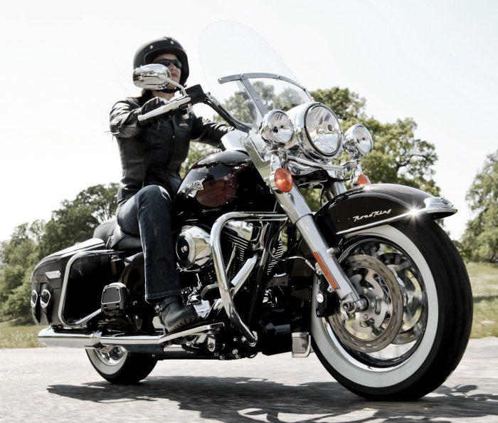 Harley-Davidson 1584 ROAD KING CLASSIC FLHRCI 2007 - 17