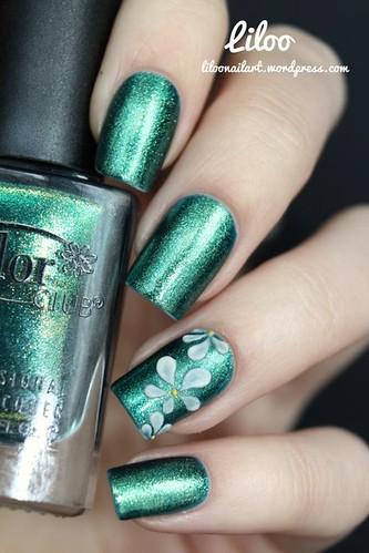 DIY Ideas Nails Art : Accent résine 3D sur le joli Ho-Ho-Holly de Color club !...https://diypick.com/beauty/diy-nails-art/diy-ideas-nails-art-accent-rsine-3d-sur-le-joli-ho-ho-holly-de-color-club/