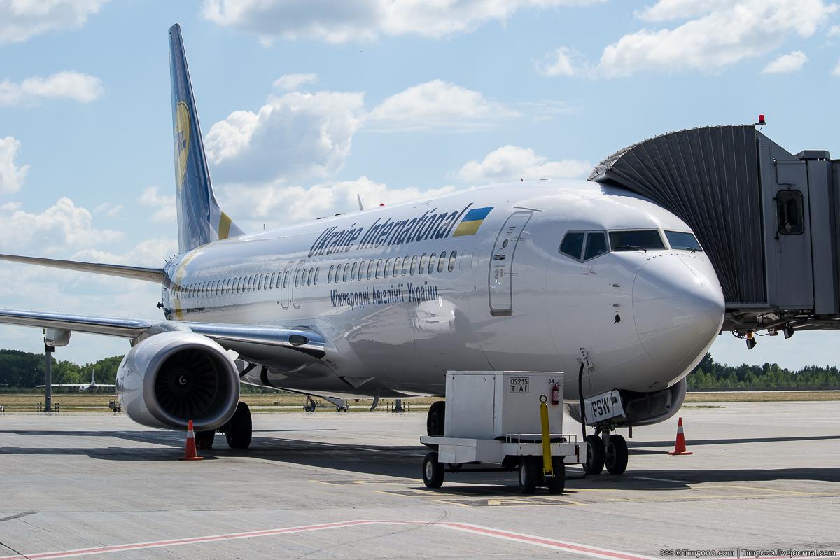 Boeing 737-800 Международных Авиалиний Украины UR-PSW