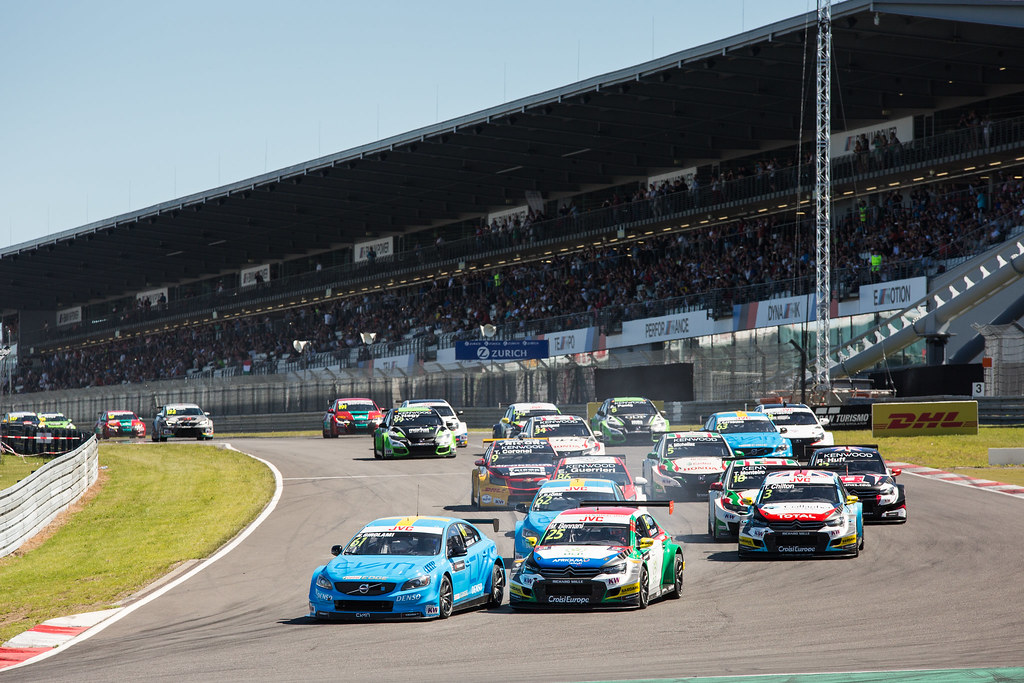 Start Race 1 61 GIROLAMI Nestor (arg), Volvo S60 Polestar team Polestar Cyan Racing, 25 BENNANI Mehdi (mor), Citroen C-Elysee team Sebastien Loeb Racing, 03 CHILTON Tom (gbr), Citroen C-Elysee team Sebastien Loeb Racing, action during the 2017 FIA WTCC World Touring Car Race of Nurburgring, Germany from May 26 to 28 - Photo Antonin Vincent / DPPI