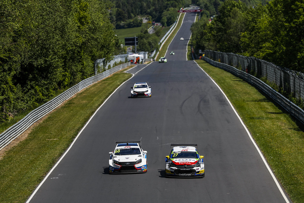 68 EHRLACHER Yann (fra), Lada Vesta team RC Motorsport, 27 FILIPPI John (fra), Citroen C-Elysee team Sebastien Loeb Racing, action during the 2017 FIA WTCC World Touring Car Race of Nurburgring, Germany from May 26 to 28 - Photo Florent Gooden / DPPI