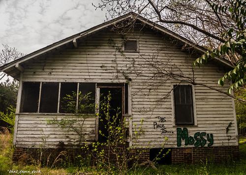 architecture abandoned house urbex urbanexplorer decaying graffiti