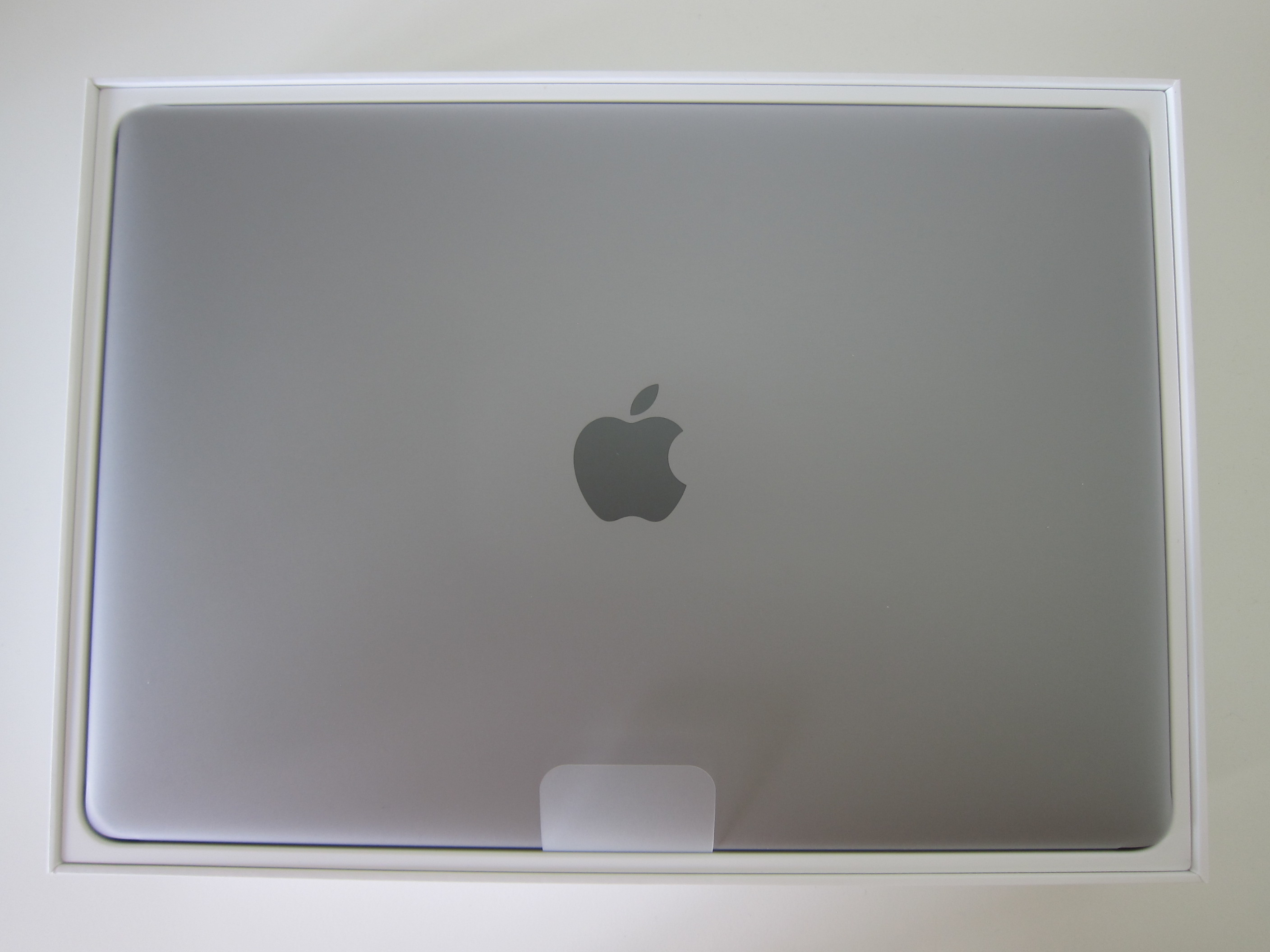 apple macbook pro 13 with touch bar and touch id blog. Black Bedroom Furniture Sets. Home Design Ideas