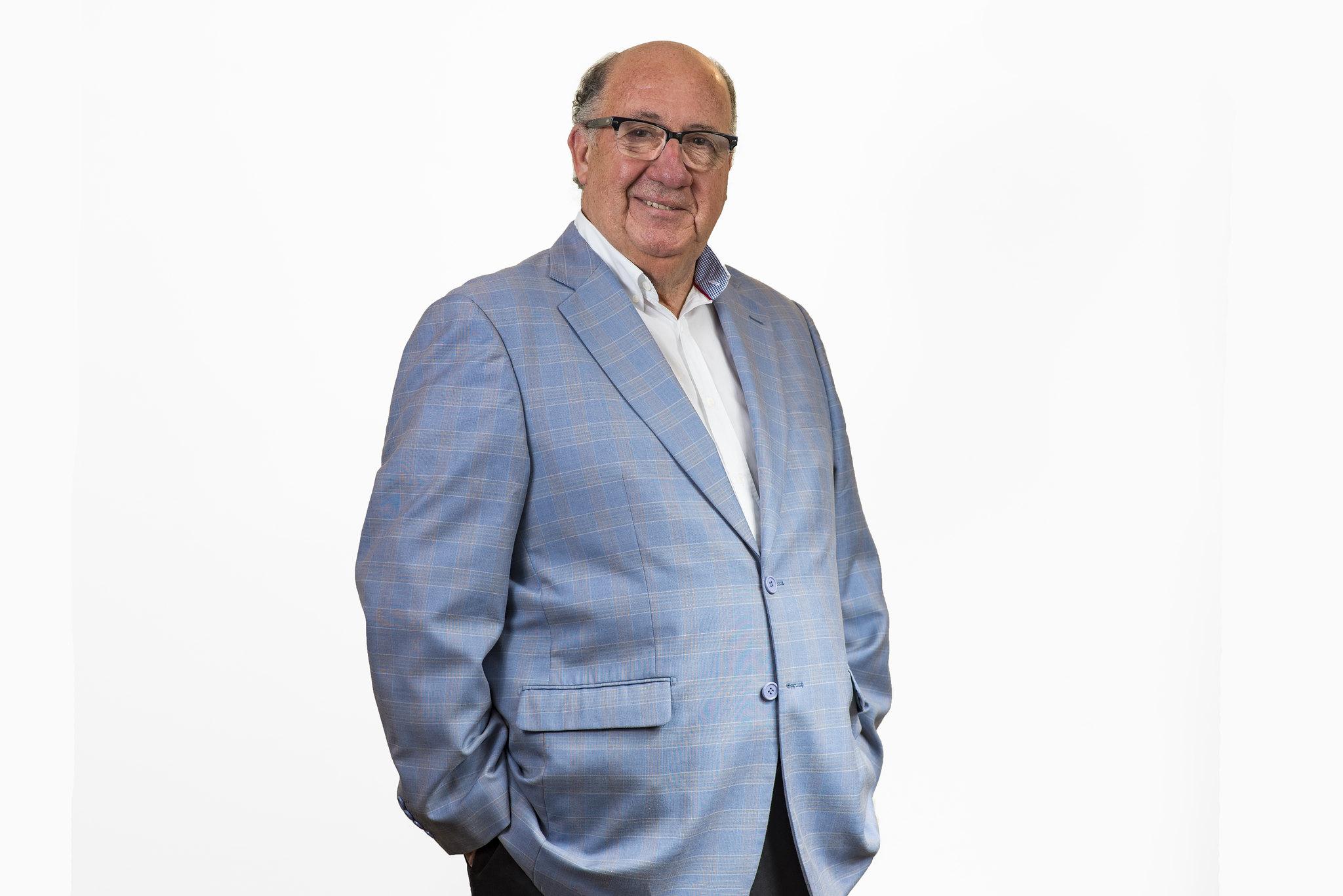 Diputado Roberto Leon