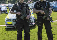 Armed police at Brentwood Cancer Research race for life