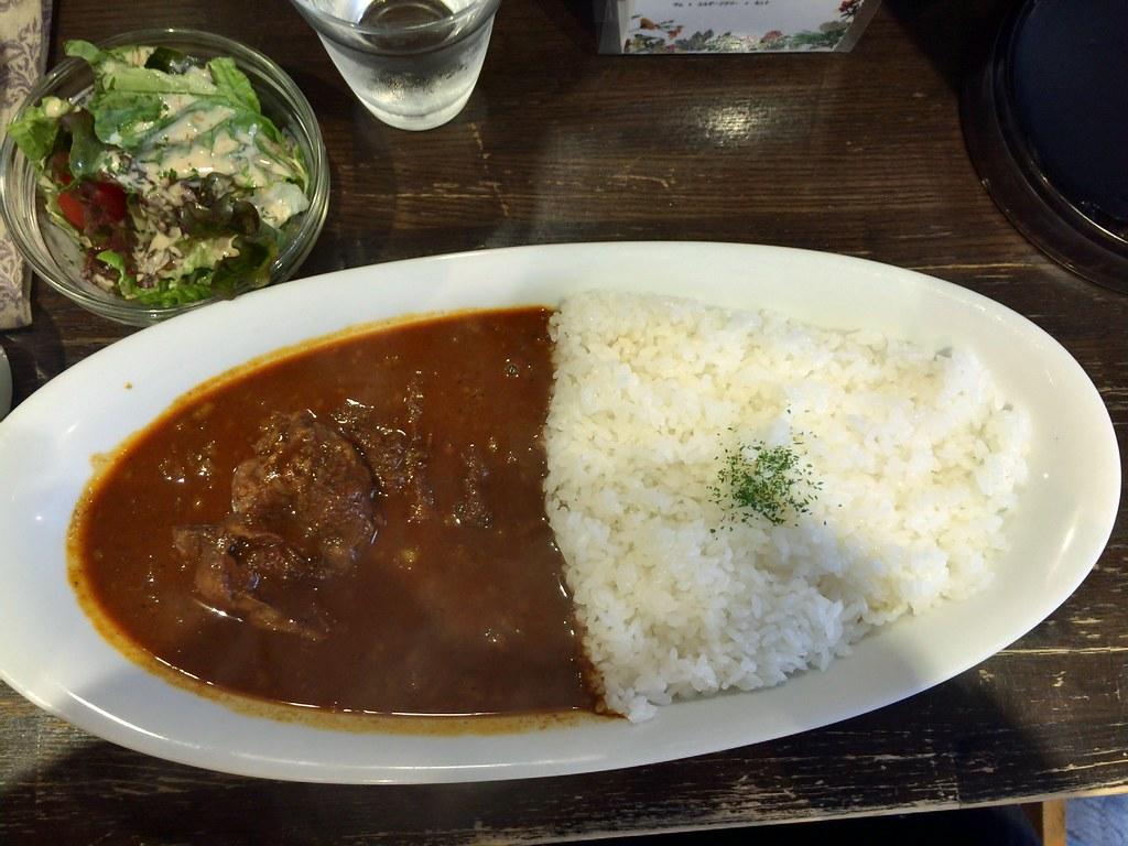 Very spicy beef curry at Meet Meats 5 bar at Nakano