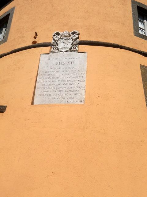 Tafel Pio XII, Nikon COOLPIX S2550