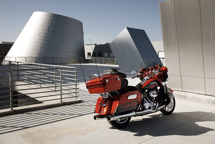 Harley-Davidson CVO ELECTRA GLIDE ULTRA CLASSIC 1800 FLHTCUSE5 2011 - 2