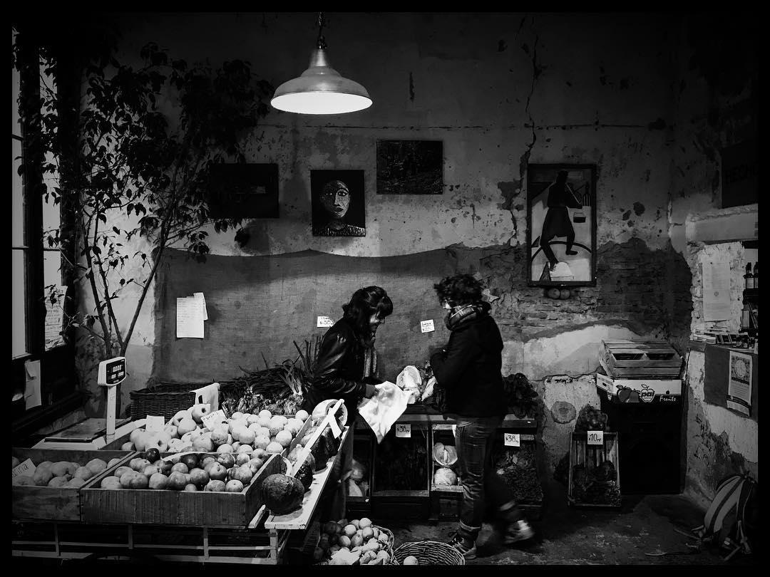 Verdulería de San Telmo #SanTelmo #BuenosAires #blackandwhitephotography #blackandwhite