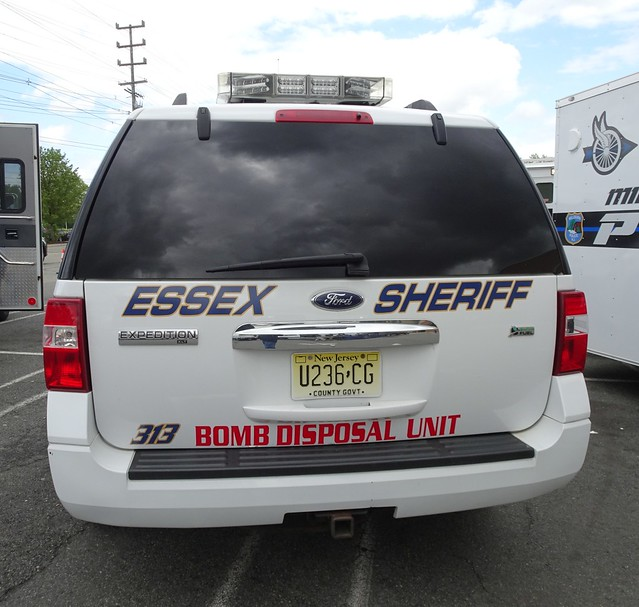 Essex County NJ Sheriff - Ford Expedition - Bomb Disosal Unit (02)