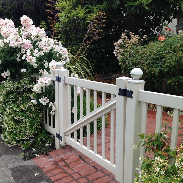 Imagine a Gate