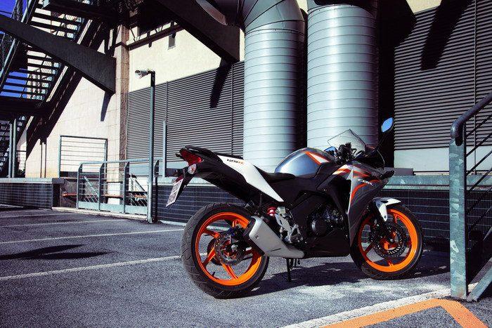Honda CBR 125 R 2015 - 9