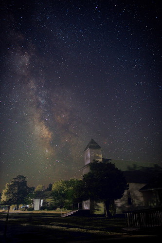 milkyway stars astronomy night sky kansas piedmont rural church farm town landscape