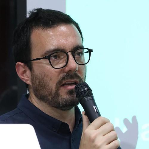 Kickstarterでデザイン&テクノロジーディレクターを務めるJulio Terraさん。クラウドファンディングのコミュニティとしての役割についての話が面白かった。