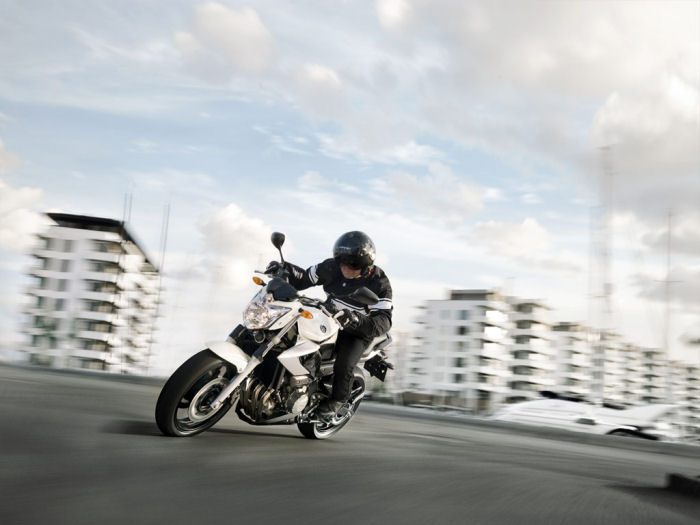 Yamaha XJ6 600 2013 - 28