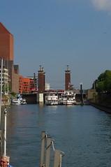 Schwanentorbrücke und Weiße Flotte Duisburg