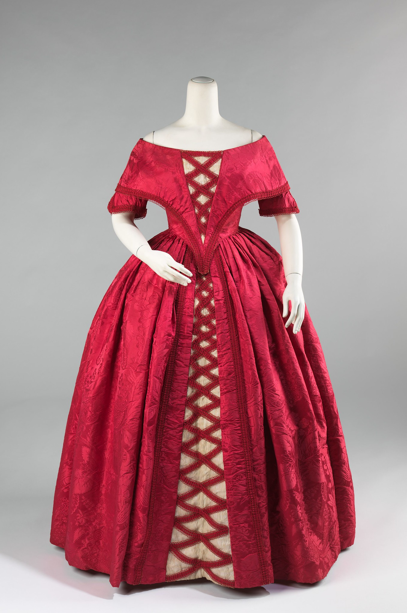 1842 Ball gown. British. Silk, cotton. metmuseum