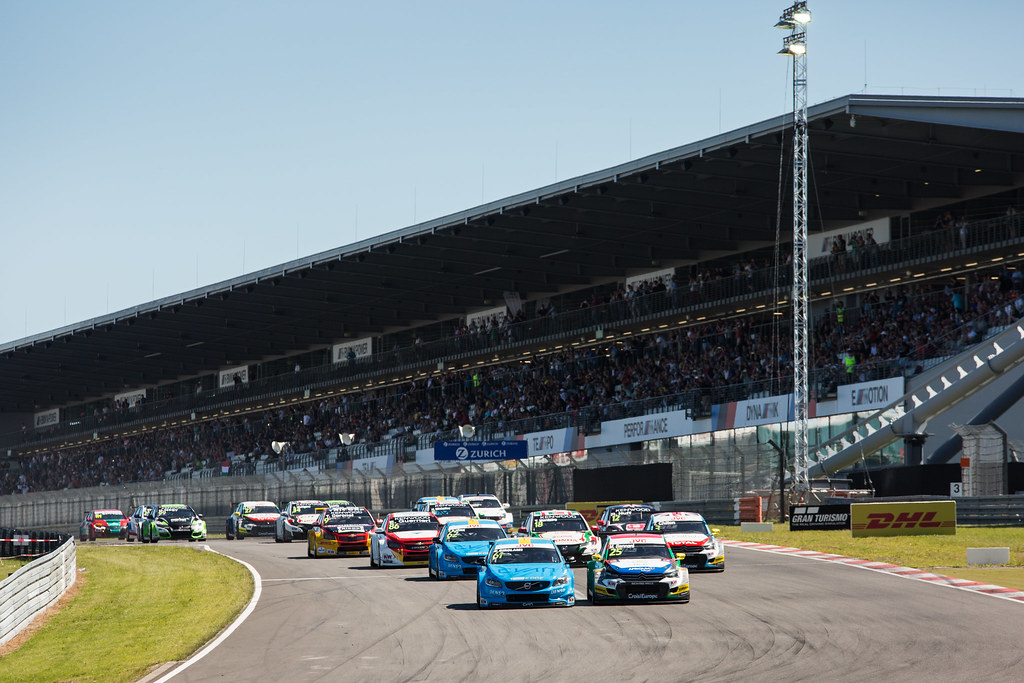 Start race 1 61 GIROLAMI Nestor (arg), Volvo S60 Polestar team Polestar Cyan Racing, 25 BENNANI Mehdi (mor), Citroen C-Elysee team Sebastien Loeb Racing, 62 BJORK Thed (swe), Volvo S60 Polestar team Polestar Cyan Racing, action during the 2017 FIA WTCC World Touring Car Race of Nurburgring, Germany from May 26 to 28 - Photo Antonin Vincent / DPPI