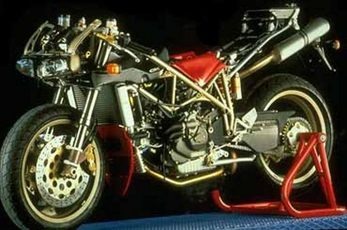 Ducati 916 1994 - 7