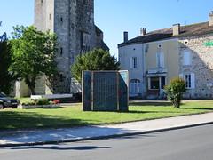 Chute-des-corps-Etienne-Fouchet-2017-ARTERE... Circulez ! Tout est à voir ! - Photo of Pompogne