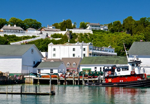 ferrydock fortview mackinacisland