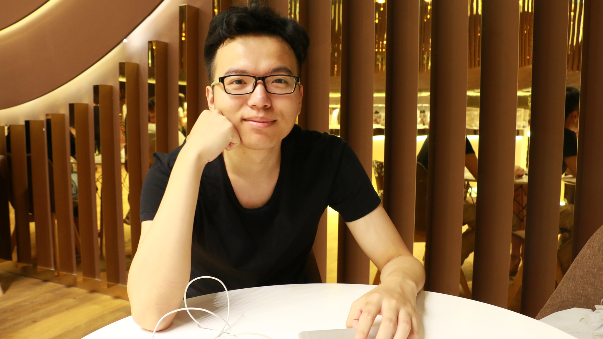 Zhangyang Hu
