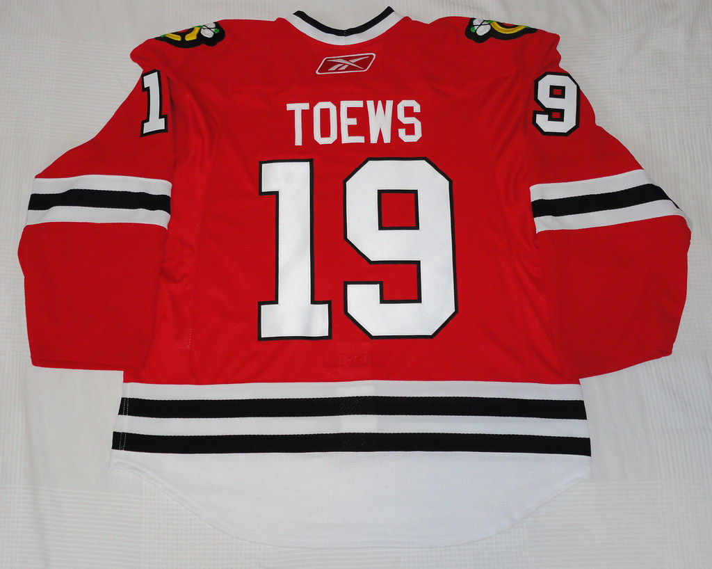 2009-10 Johnathan Toews Chicago Blackhawks Home Jersey Back