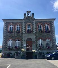Mairie, Landelles et Coupigny - Photo of Montbray