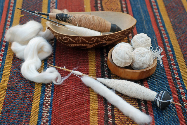 Handspinning cotton three ways Atoni rosewood spindle with brown cotton; Takhli with Egyptian cotton slyver; African bead whorl with Egyptian cotton puni