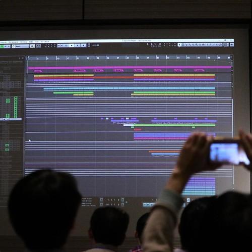 製品コンセプトに合わせたテーマ曲。画面がすごい。 #デルアンバサダープログラム
