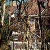 Vision d'une partie de notre résidence à travers les branches...!!!