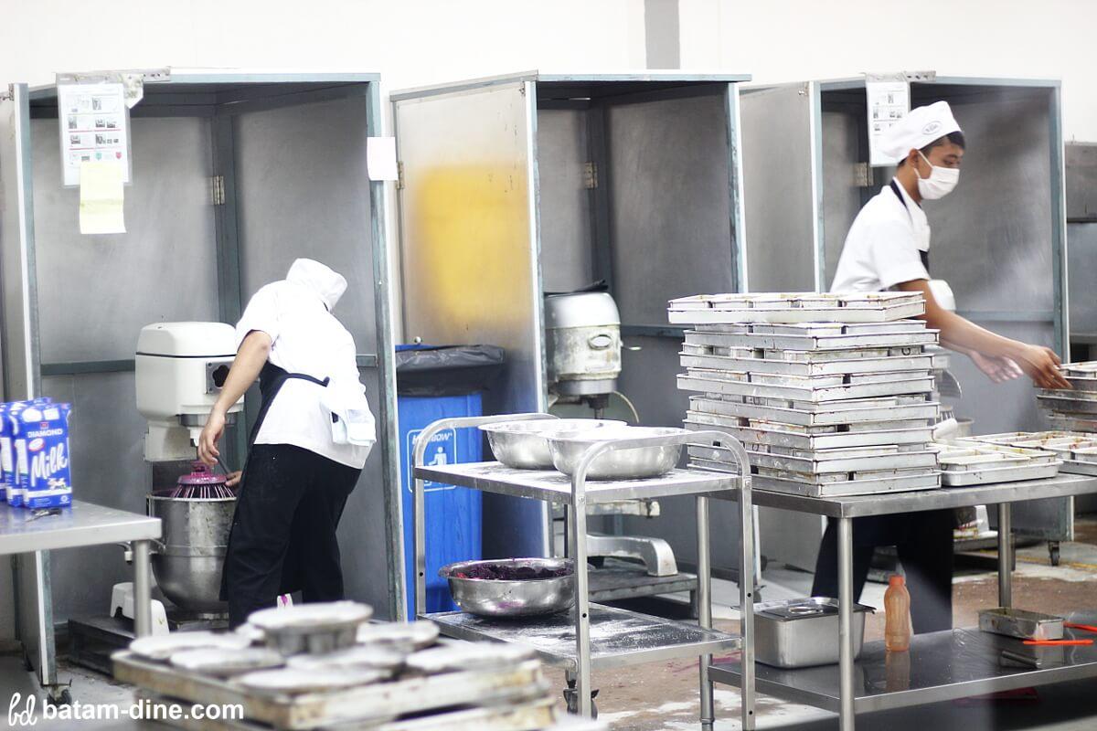 Mixer Raksasa Ala Kek Pisang Villa
