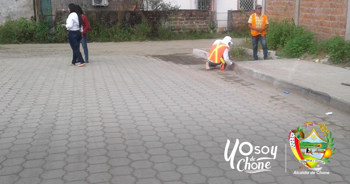 En ciudadela González de Chone se ultiman detalles en calles adoquinadas