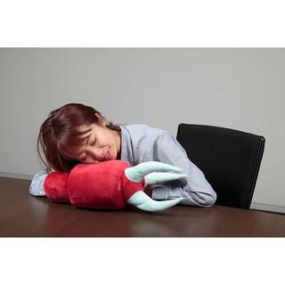 【台灣PB 開賣!】惡搞又實用的 英雄休憩抱枕系列(ひとやすみ腕枕) 第二彈 「夏亞專用茲寇克/量產型茲寇克 腕枕」消除你的壓力!
