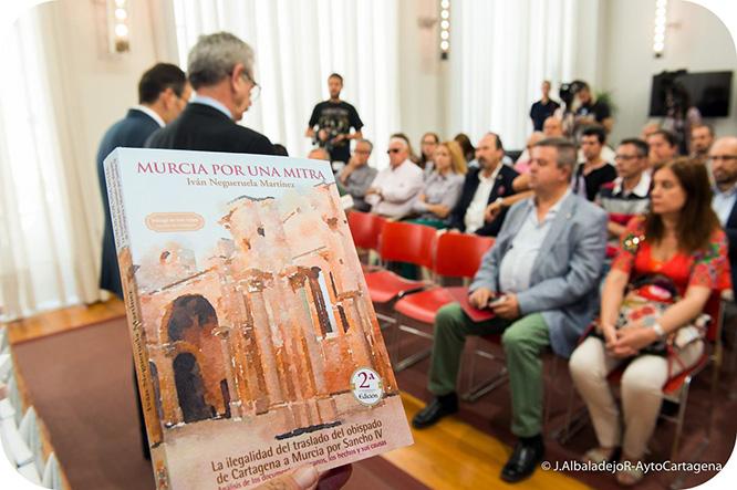 El Papa Francisco, Cardenales y Obispos recibirán un ejemplar de