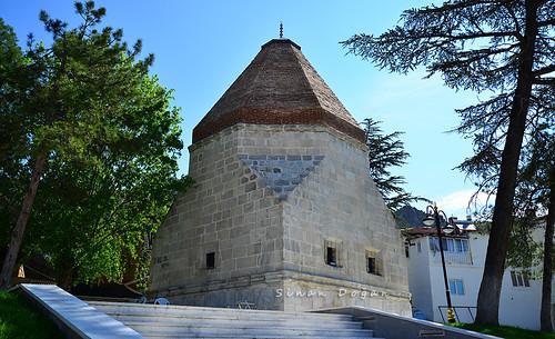 Alemşah Kümbeti