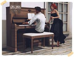 Vintage Piano Wood CHEZ MOI