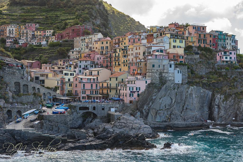 Riomaggiore cinque terre italy around guides for Hotels 5 terres italie