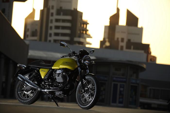 Moto-Guzzi V7 750 Cafe Classic 2010 - 18