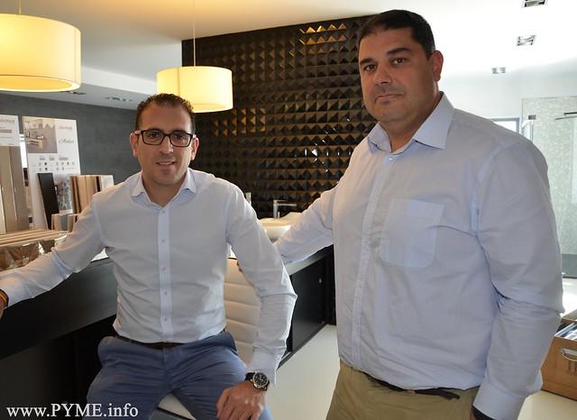 Pedro y Juan Manuel Alcalde, gerentes de Calefacciones Alcalde y tercera generación de esta empresa familiar