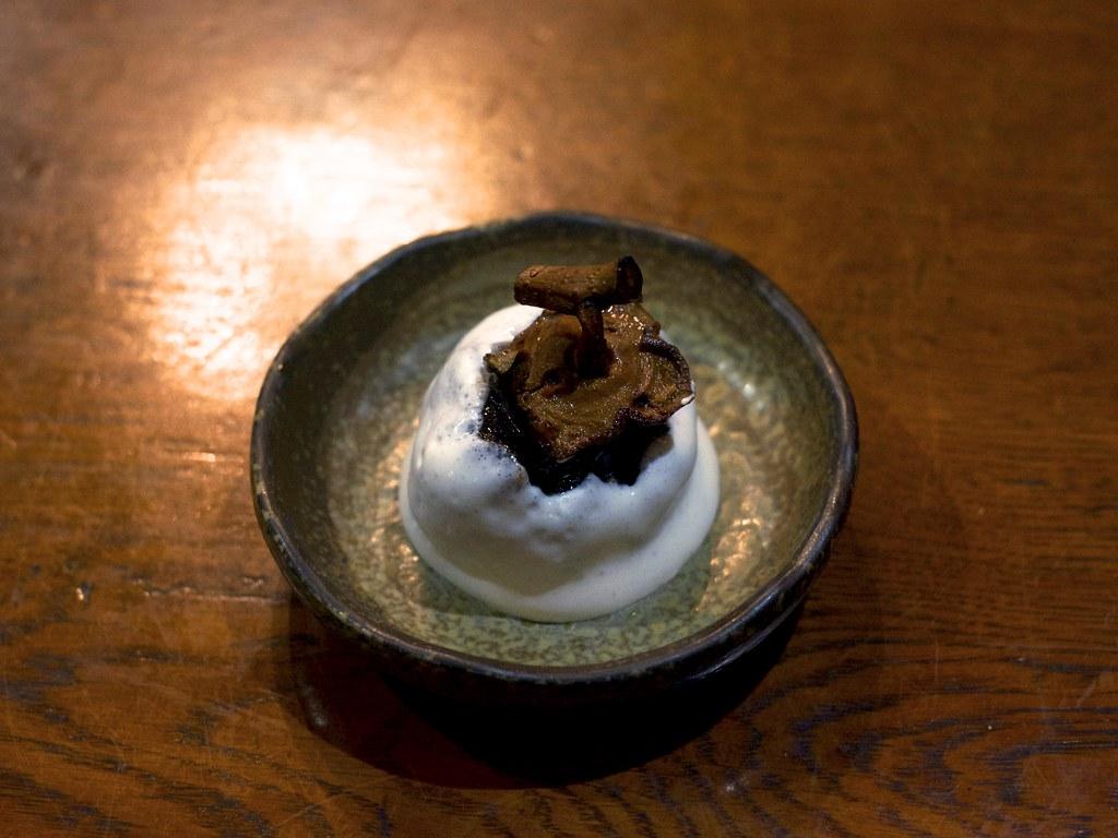 Dried Japanese persimmon with cream / 干し柿の生クリーム添え / のんび荘 (長野県飯田市)