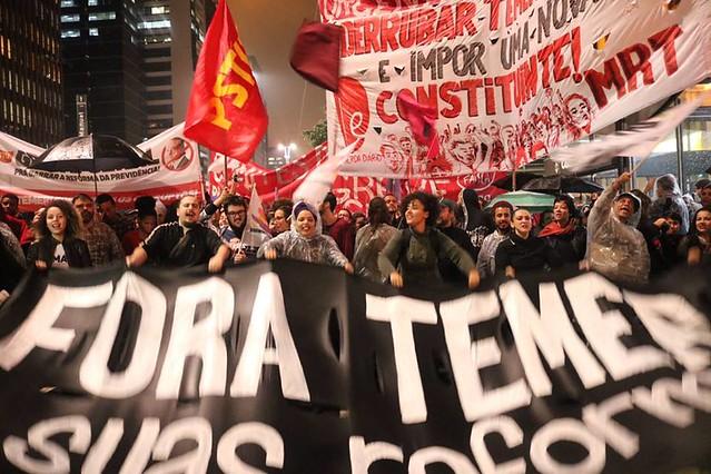 Para a entidade, a única saída é uma reforma política - Créditos: Júlia Dolce