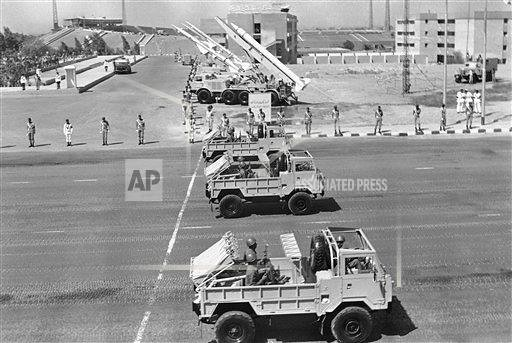 Swingfire-Land-Rover-FC101-egypt-parade-19771006-ap