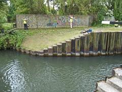 2017 05 11 006-1 CRT volunteers, Greenham Lock
