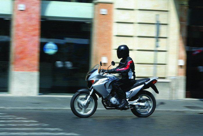 Honda 125 VARADERO XLV 2004 - 5