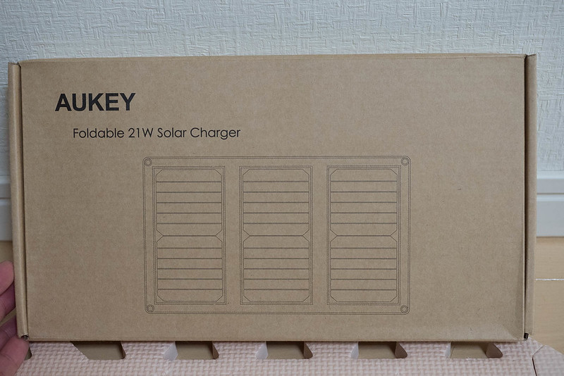 AUKEY_Solar_Charger-1