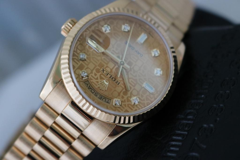 Đồng hồ rolex day date 6 số 118238 – Mặt vi tính – Vàng 18k – size 36mm